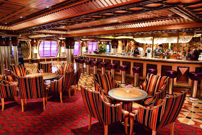Salón del Costa Pacifica