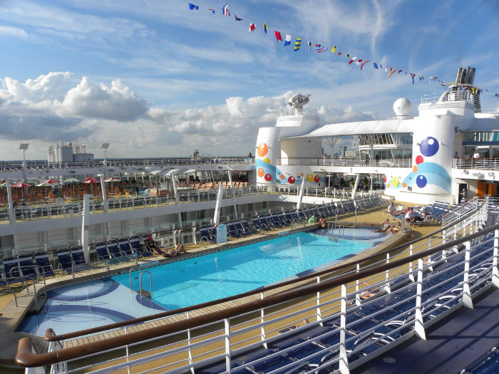 Piscina en el Oasis of the Seas