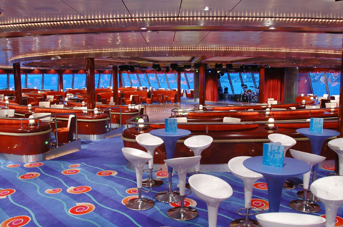Spinnaker Lounge a bordo del Norwegian Pearl
