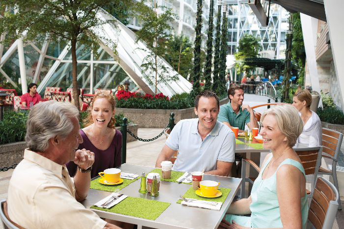 Café en Central Park a bordo del Allure of the Seas
