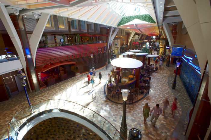 La Royal Promenade del Allure of the Seas