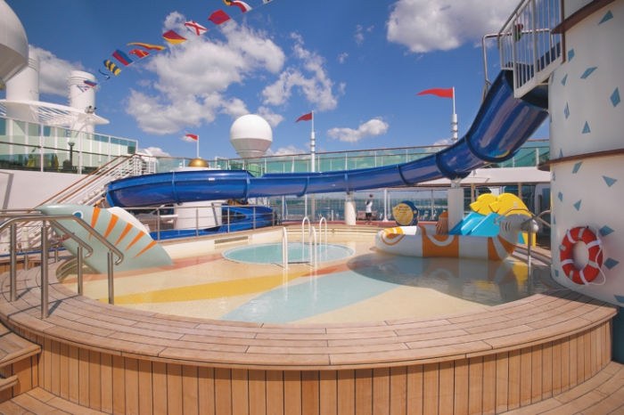 Tobogan acuático en el Jewel of the Seas