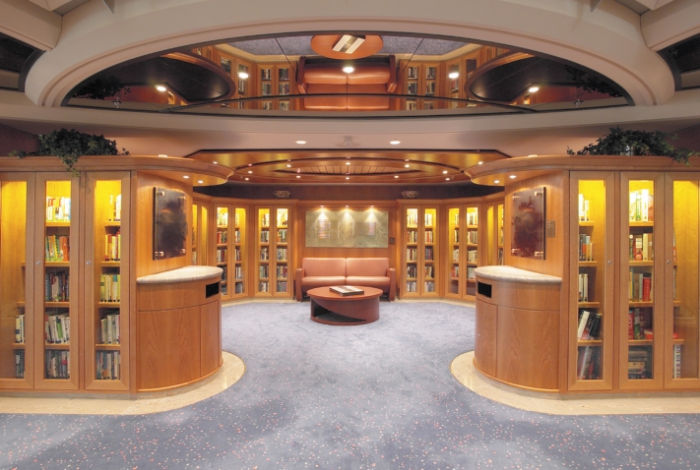 Biblioteca en el Jewel of the Seas