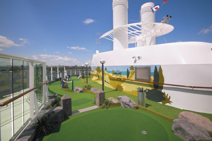 MiniGolf a bordo del Brilliance of the Seas