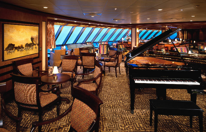 El Safari club a bordo del Serenade of the Seas