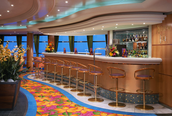 Atrium Bar en el Norwegian Sky