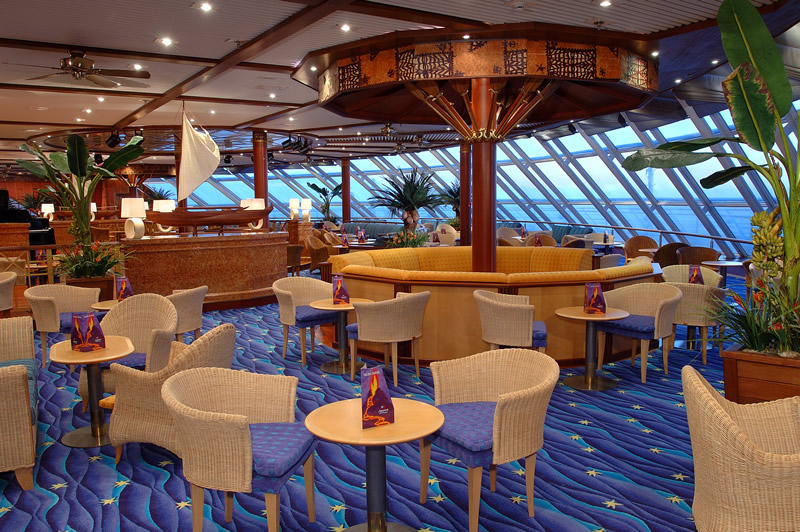 Outtriger Bar en el Norwegian Sky