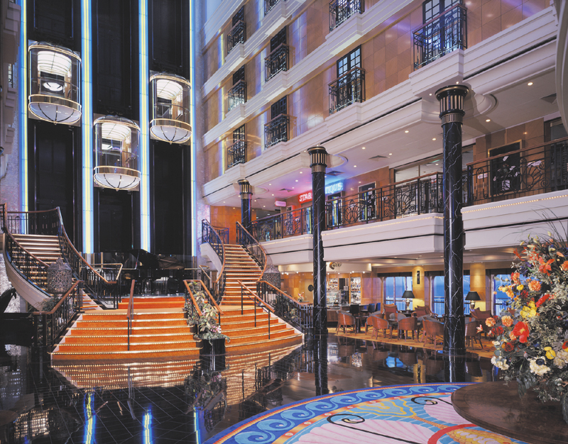 Grand Centrum en el Norwegian Spirit