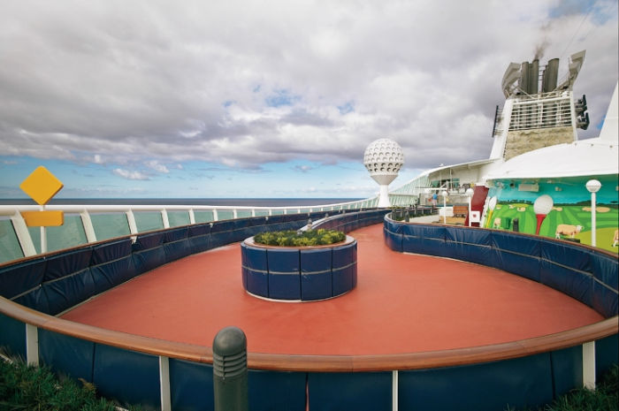 Pista de patinaje sobre ruedas en el Adventure of the Seas