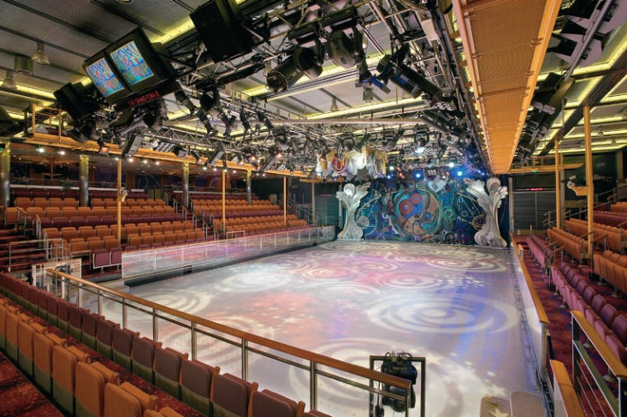 ¿Patinar sobre hielo en alta mar? Es posible a bordo del Adventure of the Seas
