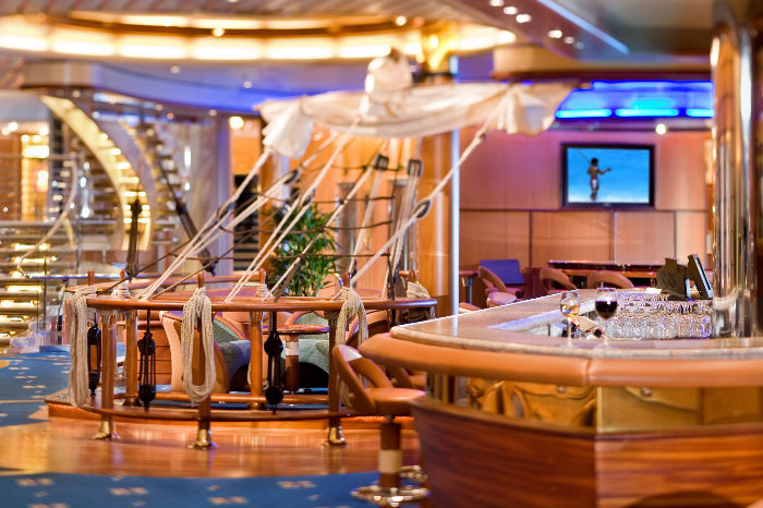 Schooner bar a bordo del Independence of the Seas