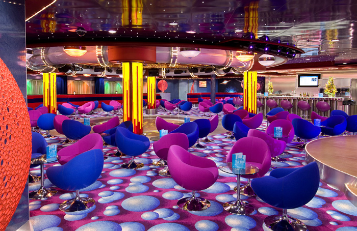 Fyzz Lounge en el Norwegian Jewel
