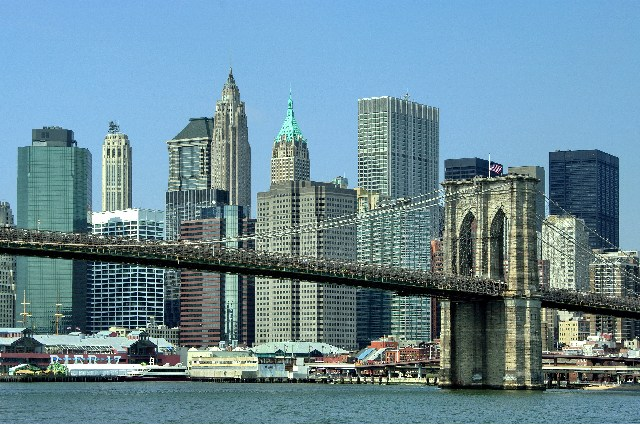 Vista del Puente de Brooklyn y Downtown Manhattan